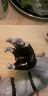 Bane_B&W_statue_Repair_001