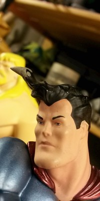 Frank_Miller_Superman_statue_Repair_005