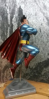 Frank_Miller_Superman_statue_Repair_028