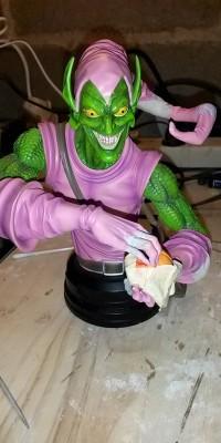 Green_Goblin_statue_Repair_011