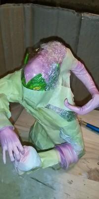 Green_Goblin_statue_Repair_020