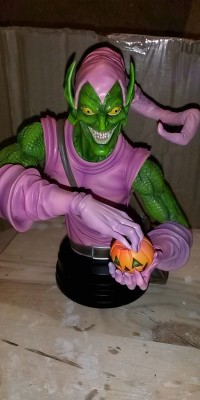 Green_Goblin_statue_Repair_021