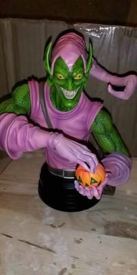 Green_Goblin_statue_Repair_021