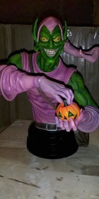 Green_Goblin_statue_Repair_022