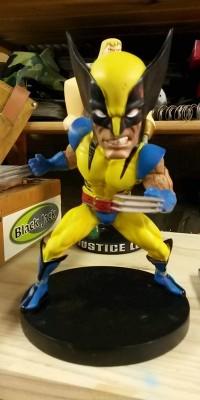 Wolverine_statue_Repair_009